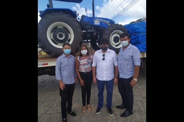 Vereadores participam em São Luis da entrega de (01) uma Patrulha Agrícola Mecanizada.
